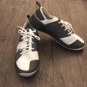 Under Armor Men's Showstopper 2.0 Shoes